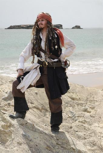 Jack Sparrow naamiaispuku, puvustus, merirosvopuku